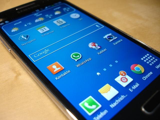 gebrauchtes Smartphone als Geschenk für die Enkeltochter