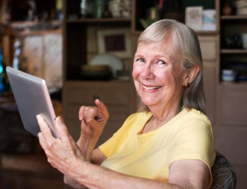 Ein Tablet für pflegebedürftige Senioren
